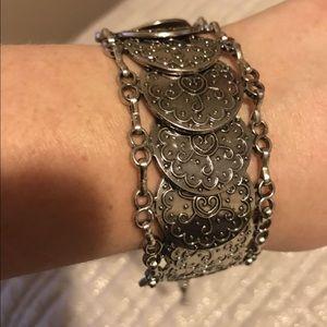 4 For $25 ⭐️ Paparazzi silver bracelet